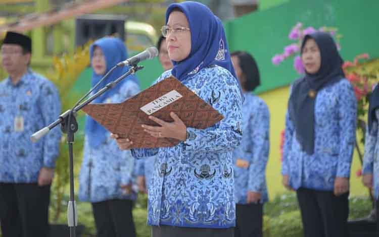 Sekda Kota Palangka Raya Hera Nurgahayu saat menerangkan terkait penyerapan anggaran tahun 2019.