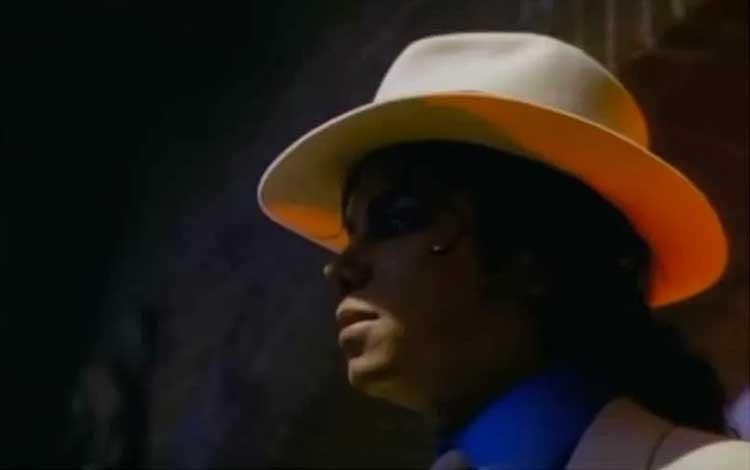 "Michael Jackson dalam video musik \""Smooth Criminal\"" yang dirilis November 2010. (ANTARA News/Vevo YouTube)"