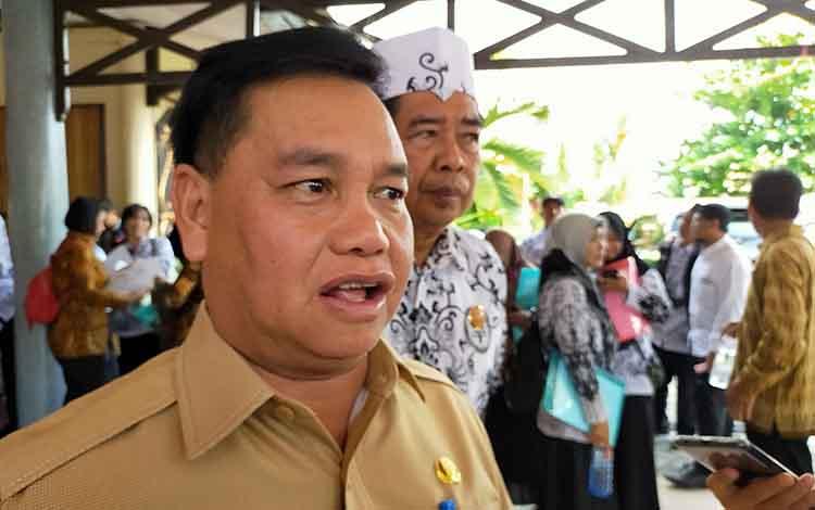 Sekda Kotim Halikinnor, infrastruktur pendidikan menjadi prioritas pemkab Kotim, Selasa, 26 November 2019.