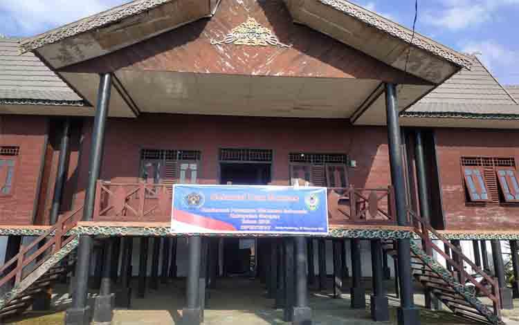 Rumah Betang tempat pelaksanaan Konfercab PWI Seruyan yang digelar pagi, Rabu, 27 November 2019