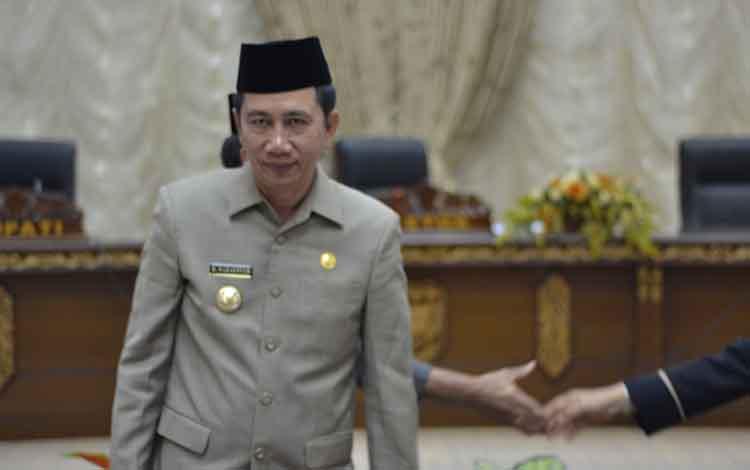 Bupati Barito Utara, H Nadalsyahberharap dengan telah disetujuinya Raperda tentang retribusi jasa usaha menjadi Perda, mampu tingkatkan PAD.