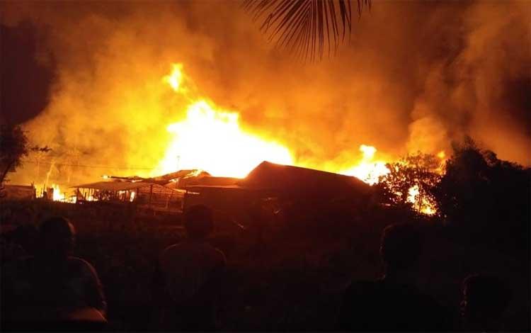 Kebakaran SMP SMA Karya di Jalan Sakan 5, Kota Palangka Raya, Rabu 27 November 2019