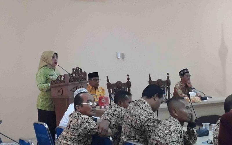 Bupati Kobar Hj Nurhidayah, dalam Seminar dan Rapat Koordinasi Persiapan Kobar menjadi tuan rumah Pekan Daerah (PEDA) KTNA XIII Provinsi Kalimantan Tengah, Jumat, 29 November 2019.