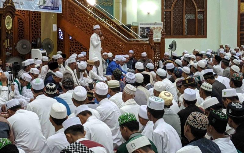 Bupati Kotim, Supian Hadi menyampaikan sambutan pada peringatan Maulid Nabi Muhammad SAW, Minggu, 1 Desember 2019.