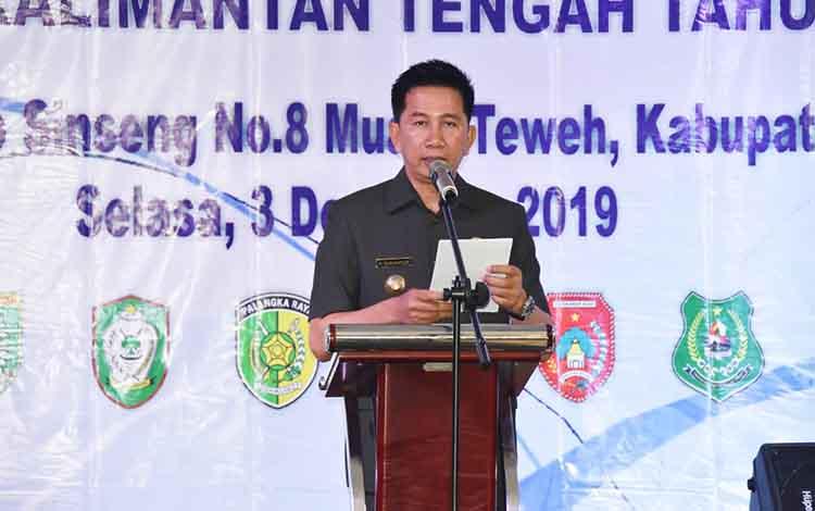 Bupati Barito Utara, H NAdalsyah saat memberikan sambutan dan arahan dalam  Raker Forsesdasi Kalteng tahun 2019, di ballroom Armani Hotel, Selasa 3 Desember 2019.