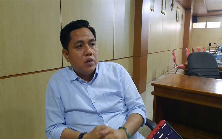 Wakil Ketua I DPRD Barito Timur, Ariantho S Muler menjelaskan hasil rapat Banmus