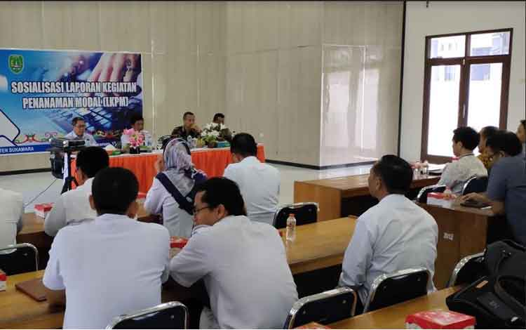 Dinas Penanaman Modal Pelayanan Perijinan Terpadu Satu Pintu (DPMPPTSP) Sukamara saat menggelar sosialiasi laopran kegiatan penyertaan modal beberapa waktu lalu.