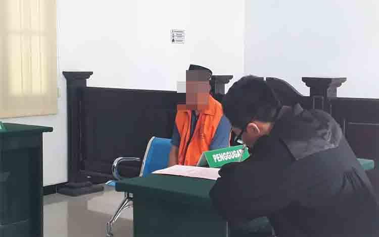 Terdakwa Yosep Sayor, penambang emas iIegal di Pangkut divonis 6 bulan penjara oleh hakim Pengadilan Negeri Pangkalan Bun, Rabu 4 Desember 2019