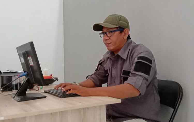 Pengamat Bola Yusro Arodi menyampaikan, enam tim berebut posisi aman, Kalteng Putra wajib kumpuklan poin 10 angka disisa laga.