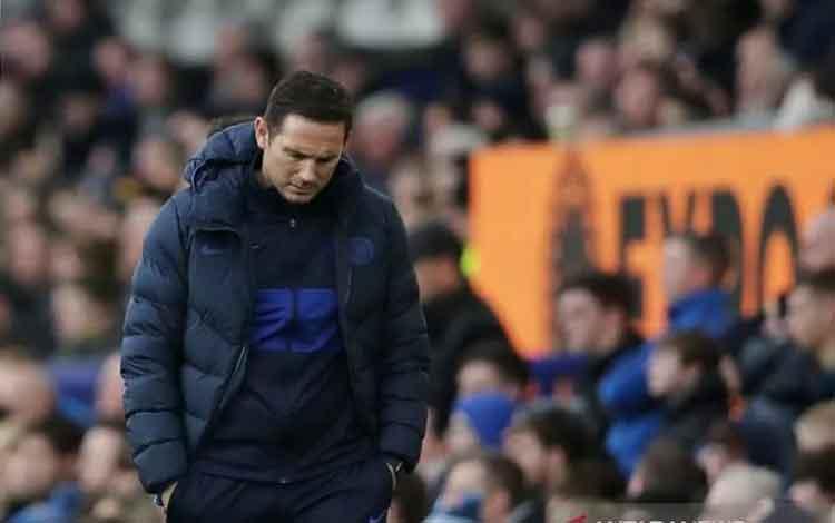 Ekspresi manajer Chelsea Frank Lampard saat mendampingi timnya menghadapi Everton dalam lanjutan Liga Inggris di Stadion Goodison Park, Liverpool, Inggris, Sabtu (7/12/2019). (ANTARA/REUTERS/Molly Darlington)