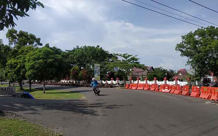 Kawasansimpang Jalan Abadi menuju Jalan Ahmad Yani, Kuala Pembuang akan di pasang warning light untuk mengurangi kecelakaan di Seruyan