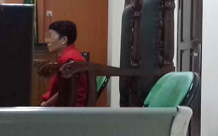 Nina Arisandi alias Nina, terdakwa kasus sabu.