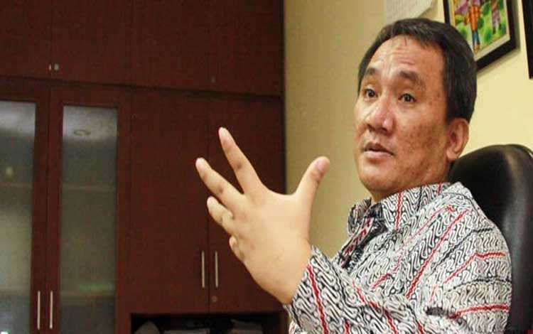 Politikus Partai Demokrat Andi Arief mengusulkan kepala daerah ditunjuk oleh Menteri Dalam Negeri