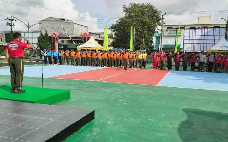 Kodim 1016/Palangka Raya menggelar upacara sebagai bentuk pembukaan Turnamen Bola Voli Dandim Cup, Sabtu, 14 Desember 2019.