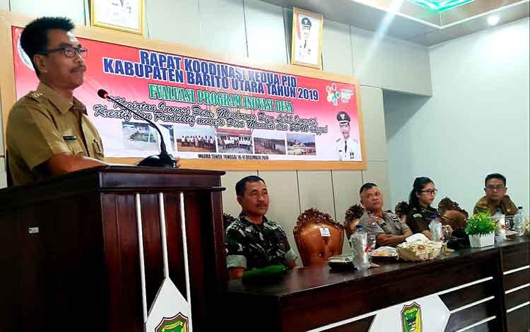 Wakil Bupati Barito Utara, Sugianto Panala Putra saat membuka Rakor Tim Inovasi Kabupaten (TIK) ke 2 Program Inovasi Desa tahun 2019, di Kecamatan Teweh Tengah, Senin 16 Desember 2019.