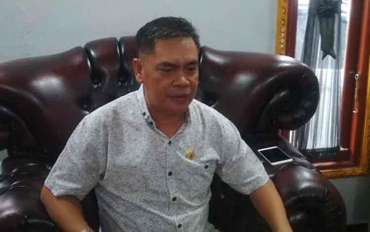 Antonius Kristiano, penasihat hukum 6 tersangka yang melakukan pra peradilan atas kasus korupsi di Disdik Provinsi Kalteng tahun 2014.