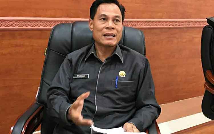 Ketua Komisi II DPRD Kapuas, Syarkawi H Sibu meminta pemkab menginventarisasi dan mengkaji potensi sumber PAD.