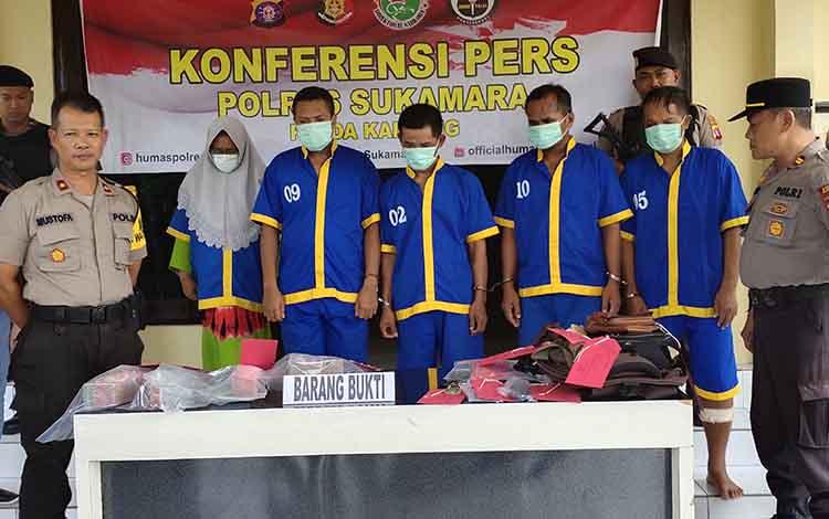 Limba tersangka perampokan diDesa Sekuningan Baru, Kecamatan Balai Riam, Kabupaten Sukamara.