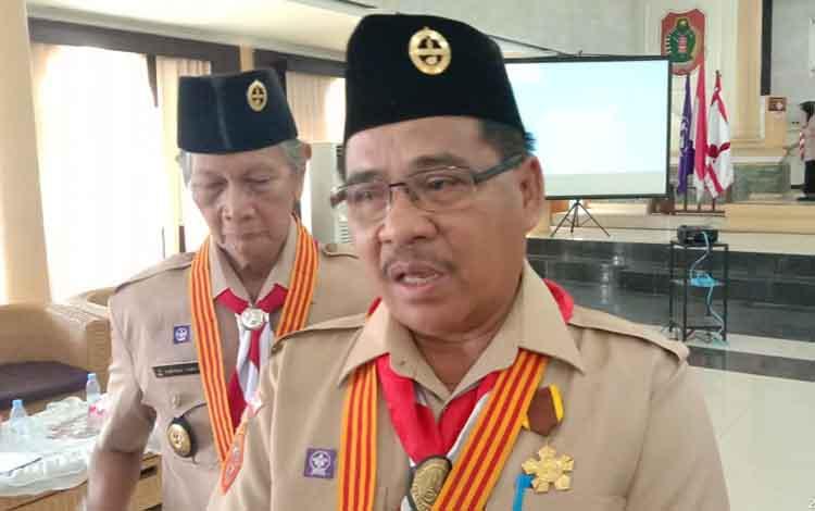 Sekretaris Daerah (Sekda) Kabupaten Barito Timur, Eskop, kembali terpilih menjadi Ketua Kwarcab Gerakan Pramuka Kabupaten Barito Timur periode 2019-2024