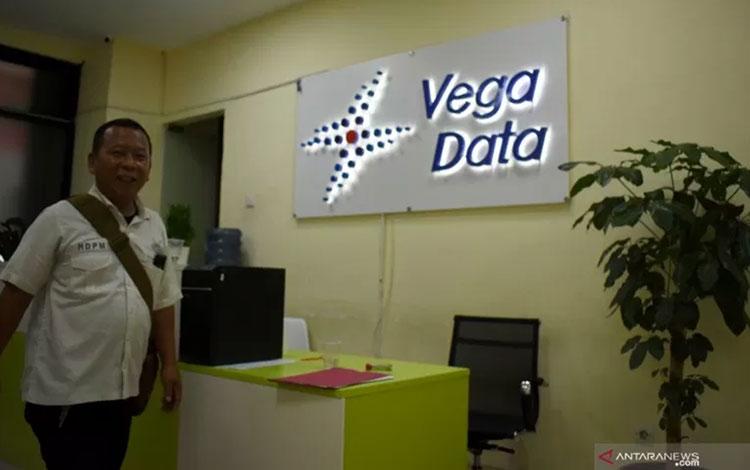 Perusahaan pinjaman online ilegal PT Vega Data (VD) dan PT Barracuda Fintech (BR) yang beralamat di Kompleks Ruko Pluit Nomor 77-79, Jalan Pluit Indah Raya, Penjaringan, Jakarta Utara. (ANTARA/Fauzi Lamboka)