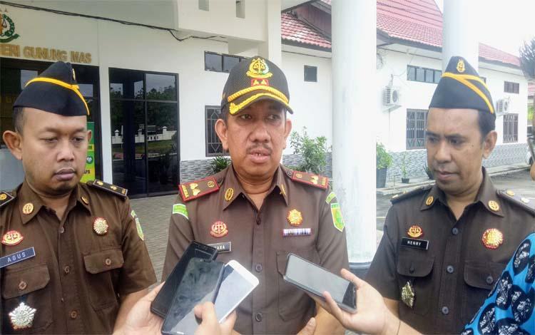 Kepala Kejaksaan Negeri Gunung Mas, Koswara mengatakan mantan Kepala Desa Bereng Jun telah dijebloskan ke penjara