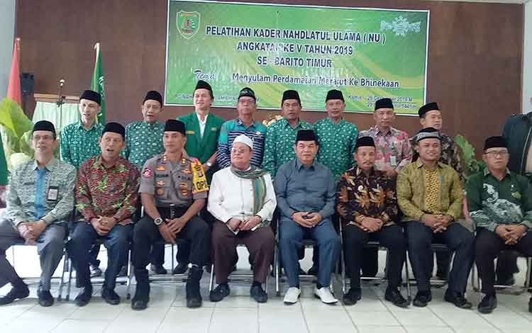 Pembukaan Pelatihan Kader Nahdatul Ulama (NU) Angkatan ke V Tahun 2019 se Kabupaten Barito Timur di Aula Hotel Ade Tamiang Layang, Kamis, 26 Desember 2019.