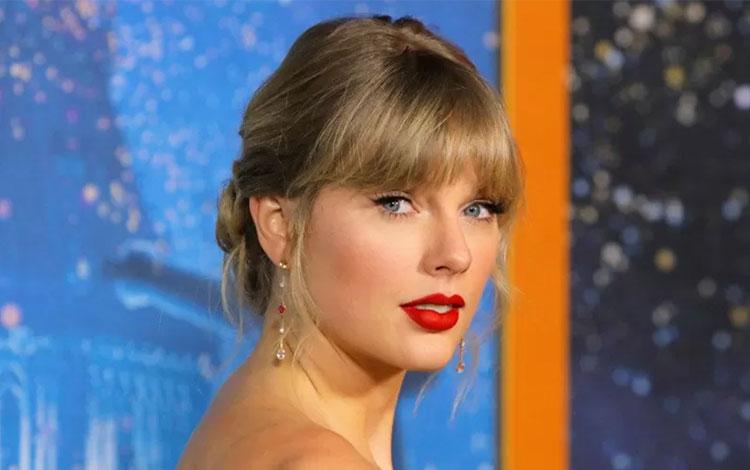"Penyanyi Taylor Swift menghadiri pemutaran perdana film \""Cats\"" di Manhattan, New York, Senin (16/12/2019) malam waktu setempat. ANTARA FOTO/REUTERS/Andrew Kelly/pras."