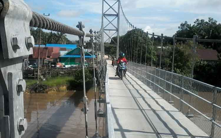 Jembatan Telangkah di Desa Telangkah, Kecamatan Katingan Hilir.