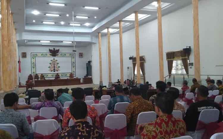Keigatan penutupan masa sidang DPRD Kabupaten Sukamara diaula setempat, Jumat, 27 Desember 2019.
