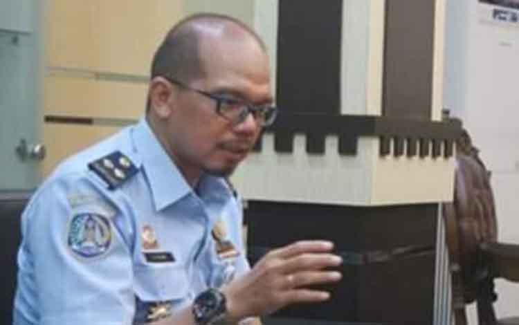 Kepala Imigrasi Kelas I Non TPI Palangka Raya, Dadan Gunawan saat ditemui diruangannya beberapa waktu lalu.