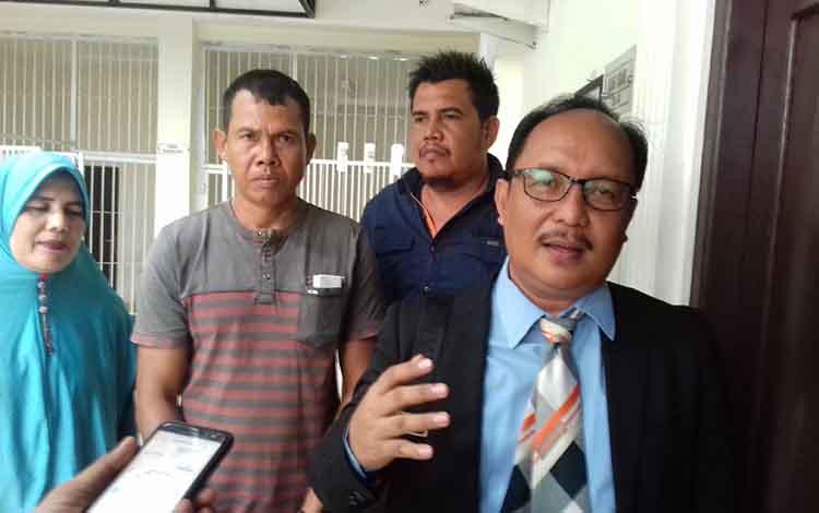 Mahdianur kuasa hukum Agau Cs usai sidang perdata dengan PT BSK