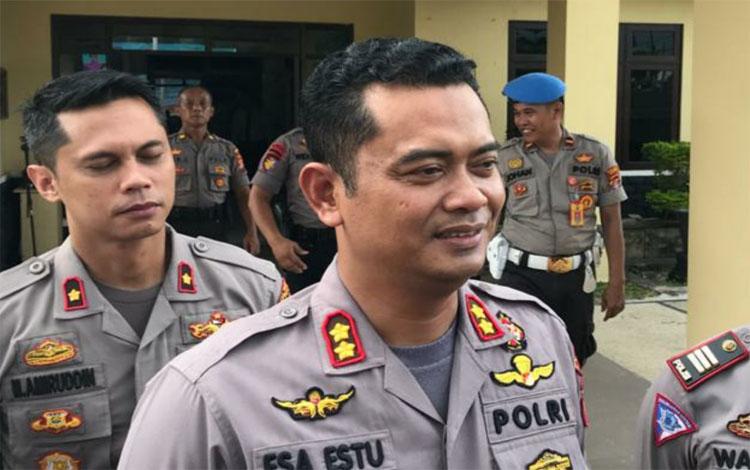 Kapolres Kapuas AKBP Esa Estu Utama menyampaikan berbagai operasi dan hasil yang dilaksanakan selama 2019