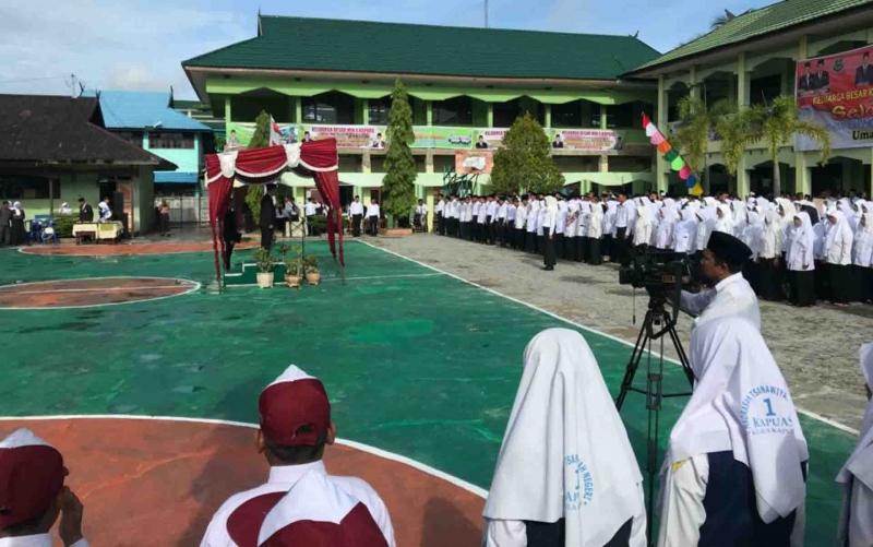 Upacara peringatan Hari Amal Bhakti ke 74 yang digelar Kemenag Kapuas, Jumat, 3 Januari 2020.