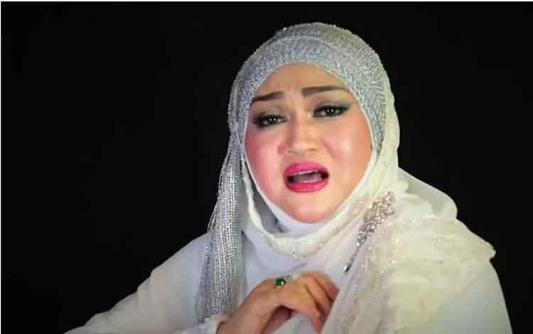 Lina mantan istri komedian Sule (Tangkapan layar YouTube)