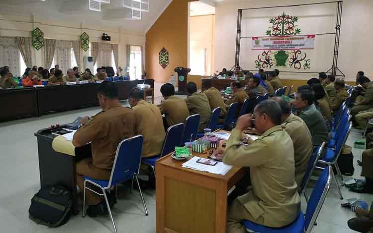 FASN Pemkab Pulang Pisau saat mengikuti rapat koordinasi di awal 2020 ini