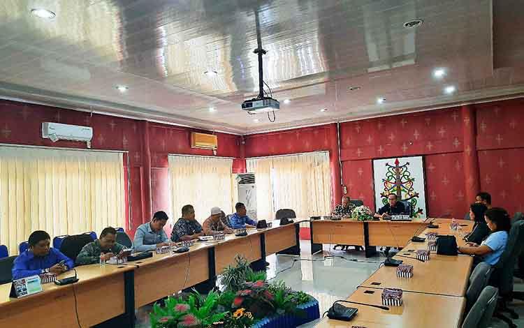 Kunjungan DPRD Kabupaten Hulu Sungai Selatan ke DPRD Palangka Raya kemarin
