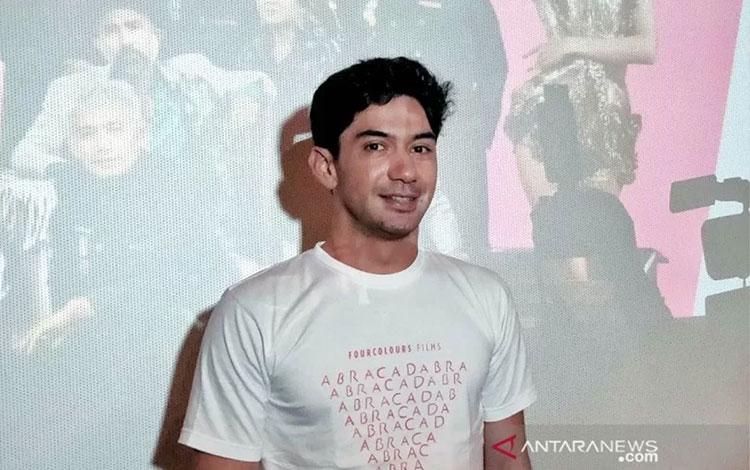 Aktor Reza Rahadian ditemui dalam pemutaran perdana film ABRACADABRA,di Jakarta, Rabu (8/1/2020) (A