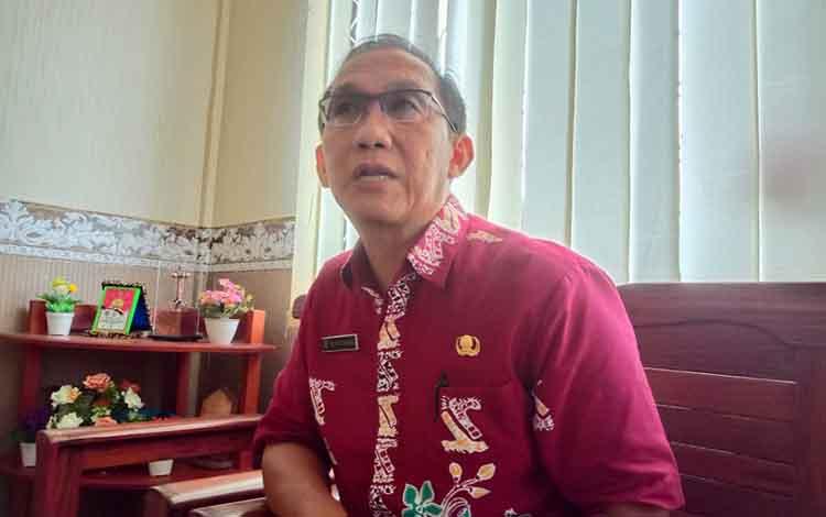 PENGALAMAN: Kepala Dinkes Pulang Pisau, dr Muliyanto Budihardjo mengaku pernah ditipu oleh tenaga kesehatan yang bekerja di wilayah pelosok, Kamis 9 Januari 2020.