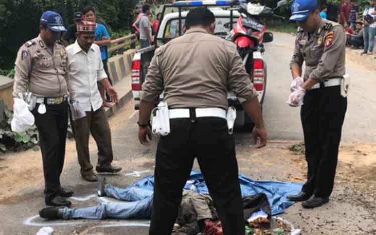Kecelakaan tunggal di Jalan Trans Kalimantan Km 44 Desa Sulung