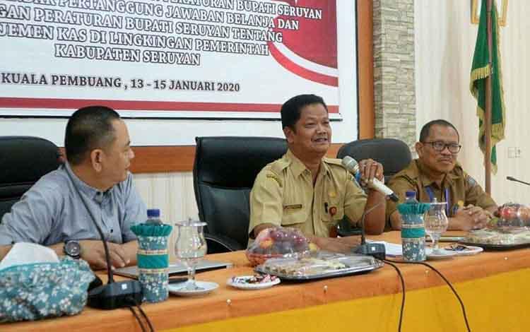 Penjabat Sekretaris Daerah Seruyan Djainuddin Noor saat membuka kegiatan workshop di Aula BPKAD Seruyan,