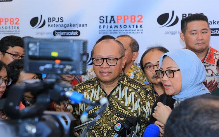 Deputi Direktur Bidang Hubungan Masyarakat dan Antar Lembaga