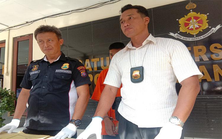 Kasat Reskrim Polresta Palangka Raya saat menghimbau terkait kewaspadaan terhadap kasus penipuan, Selasa 14 Januari 2020