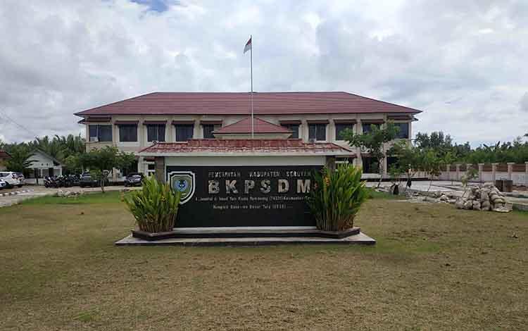 Badan Kepegawaian dan Pengembangan SDM Kabupaten Seruyan tempat pengambilan kartu peserta tes seleksi CPNS2019