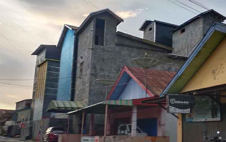 Bangunan sarang burung walet yang ada di Sukamara.