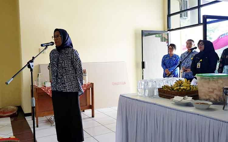 Sekda Kota Palangka Raya, Hera Nugrahayu menyampaikan permohonan doa dan pesan kepada ASN sebelum acara makan bersama