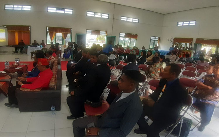 Pelantikan Dewan Pimpinan Cabang Asosiasi Pendeta Indonesia (API) Kabupaten Sukamara di Gedung Sebaguna Kecamatan Balai Riam