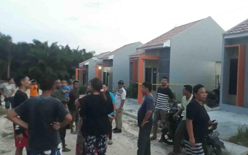 Lokasi penemuan seorang pemuda yang tewas bunuh diri di Kelurahan Baru, Pangkalan Bun, Sabtu, 18 Januari 2020 sore