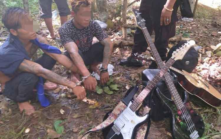 Polisi mengamankan dua pelaku pencurian di Gereja Bintang Sawah Desa Tumbang Lahang Rt 003.