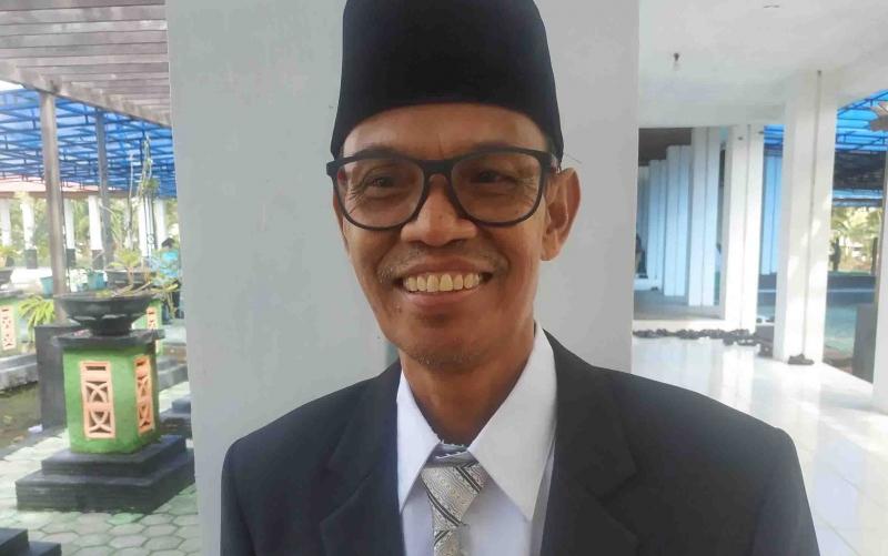Pjs Direktur PDAM Kuala Pembuang, Ilias.