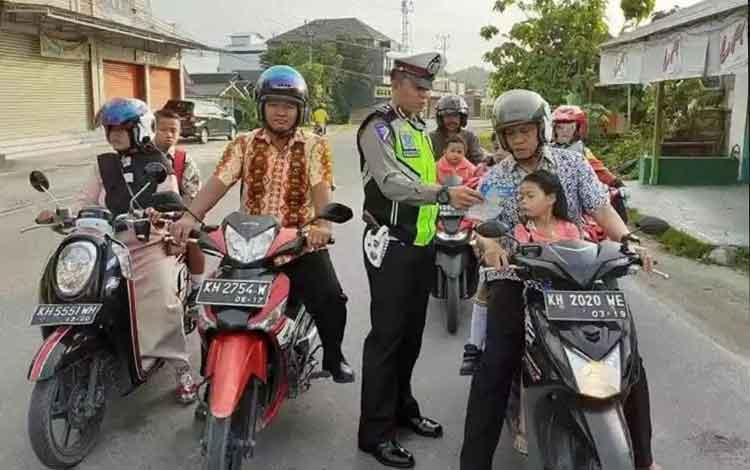 Satlantas Polres Kobar Kembali Ingatkan Soal Aturan Lalu Lintas kepada Pengendara